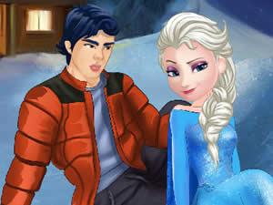 Elsa And Ken Kissing